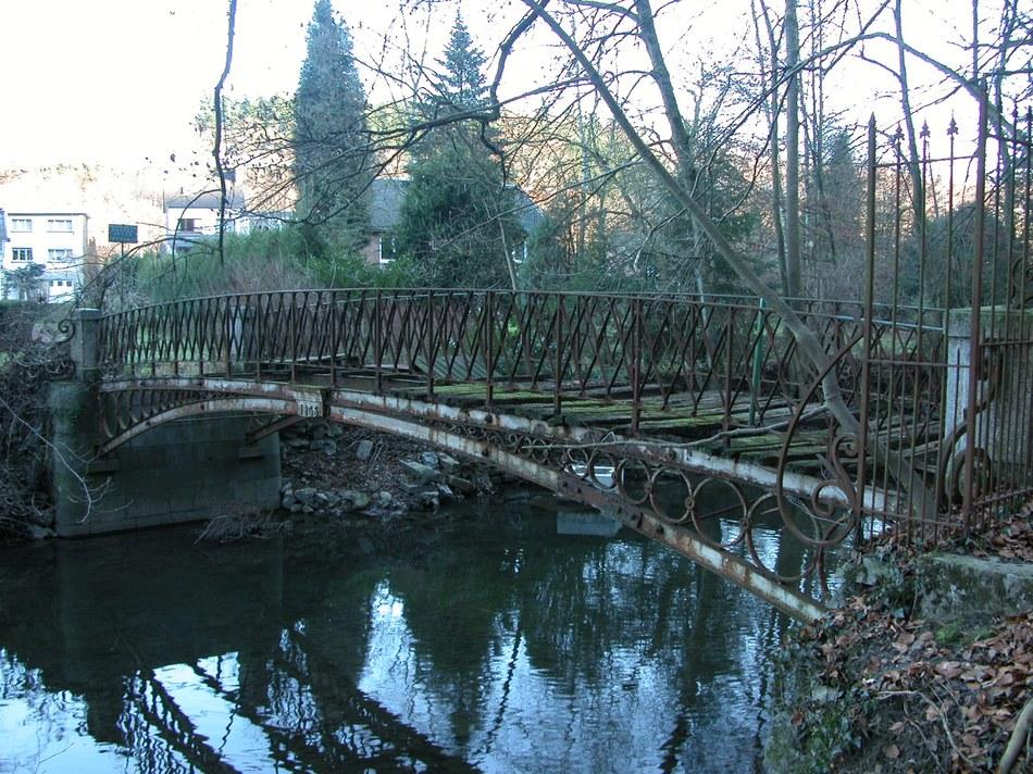 L'ancien Pont Rittweger sur la Hoëgne j rouchet.JPG